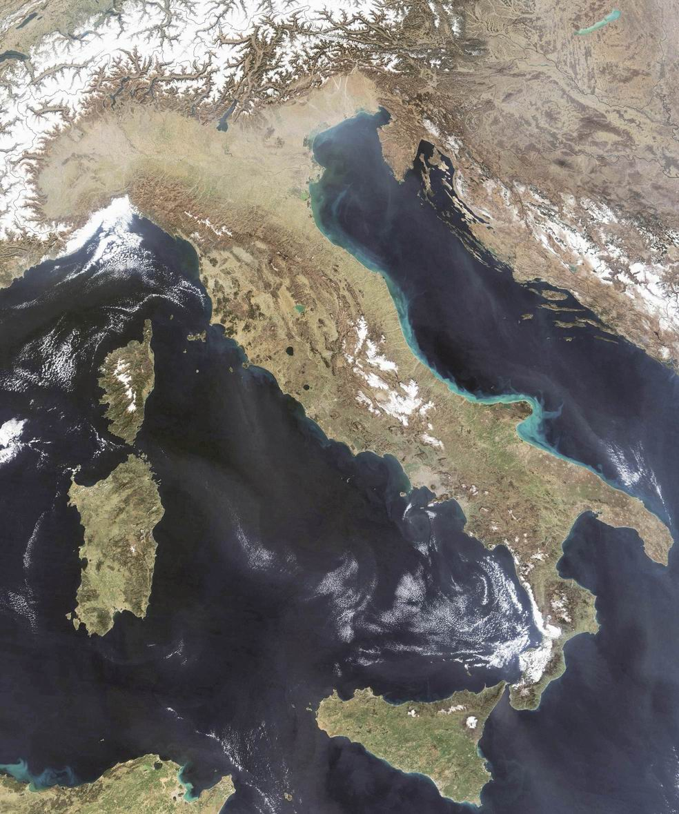 satellite_image_of_italy